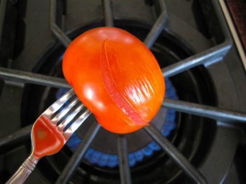 3 cách bóc vỏ cà chua nhanh chóng