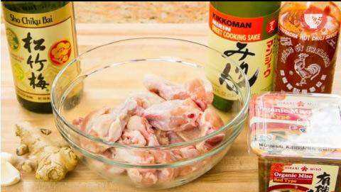 """Cánh gà nướng chấm nước sốt cay - """"không say không về"""""""
