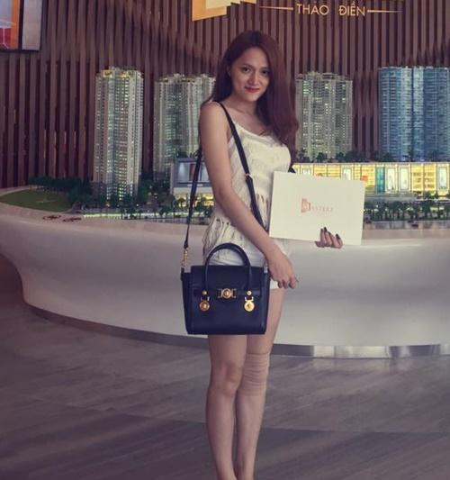BST túi xách hàng hiệu đến bình dân của Hương Giang Idol