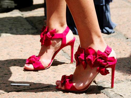Hè về rồi, em đã mua sandals chưa?