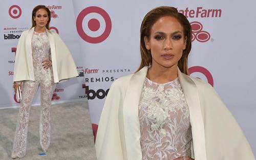 Jennifer Lopez gợi cảm với đồ ren trắng xuyên thấu
