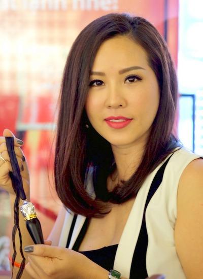 Người đẹp Việt 'phát cuồng' vì dòng son môi đắt nhất thế giới