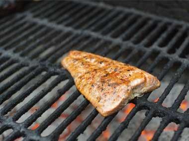 Tại sao bạn nướng và rán cá không ngon