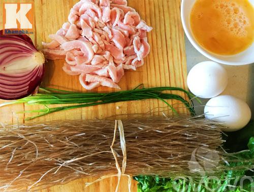 Cách làm miến xào thập cẩm kiểu Hàn vào bữa sáng