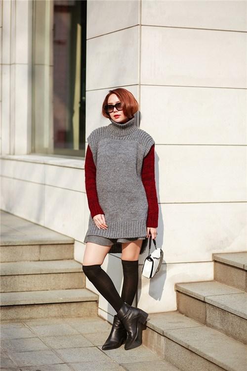 Minh Hằng nổi bật với thời trang 'hàng hiệu' ở Seoul