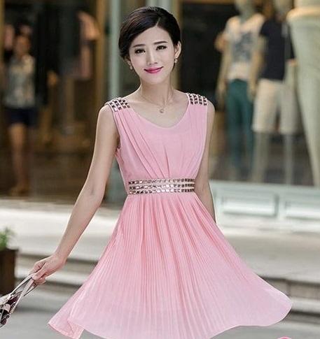 Váy đầm dự tiệc tôn dáng 'siêu chuẩn' cho quý cô