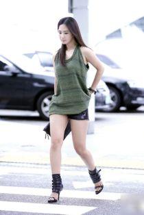 Gu thời trang năng động của 'ngọc trai đen' Yuri SNSD