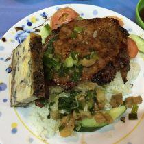 1 ngày 'đã mắt no bụng' ăn đặc sản bình dân ở Sài Thành