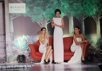 Váy dạ hội Việt đẹp và sang không kém hàng hiệu