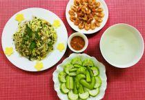 Cách nấu bữa cơm dễ ăn ngày nóng chỉ với 80.000 đồng