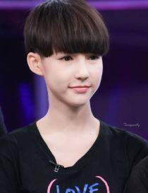 Thiên thần chuyển giới 14 tuổi soán ngôi 'đàn chị' Nong Poy