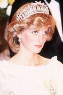 Ấn tượng với kiểu tóc của các người đẹp hoàng gia