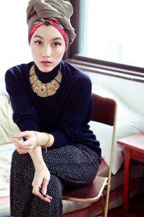 """Cô gái Hồi giáo """"nổi như cồn"""" vì mặc đẹp"""
