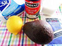Thưởng thức chè bơ tươi mát hấp dẫn ngày hè