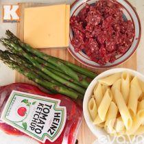 Đổi vị với mì nui sốt bò băm măng tây