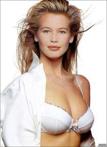 Bí quyết dưỡng da mịn, tóc siêu mượt của siêu mẫu thập niên 90