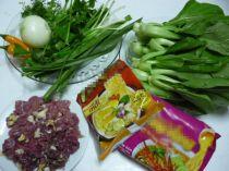 Ngon xuýt xoa mỳ xào thịt bò, rau cải