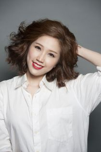 Những kiểu tóc ngang biến tấu cực đỉnh của mỹ nhân Việt