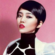 'Bí kíp' trang điểm đẹp tự nhiên cuốn hút của ca sĩ Tóc Tiên