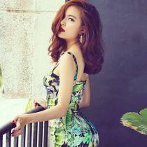 Ngắm vẻ đẹp của Hoàng Thùy Linh với mái tóc uốn xoăn sóng nước