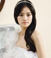 Tóc cô dâu đơn giản, dịu dàng cho ngày cưới