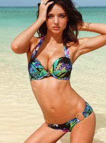 Bikini một mảnh 'cứu cánh' cho mọi cô gái trong mùa hè này