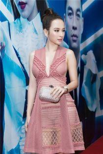 Angela Phương Trinh tỏa sáng với guu thời trang bình dân