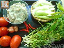 Nguyên liệu làm món canh chua chả cá dọc mùng tốn cơm vô cùng