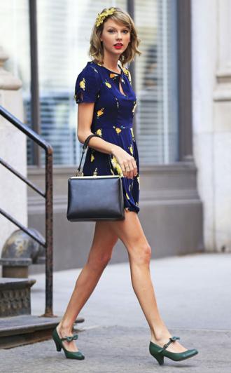 Thời trang xuân hè cuốn hút của Taylor Swift