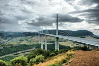 """Cùng khám phá những cây cầu mang cái """"nhất"""" của thế giới"""