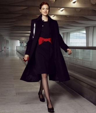 Ngắm 12 bộ đồng phục hàng không sexy nhất thế giới