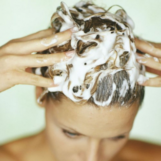 Trả lời 5 câu hỏi sau nếu bạn muốn sở hữu mái tóc khỏe đẹp
