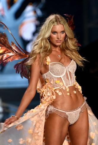 Chiêm ngưỡng vẻ đẹp thiên thần mới của Victoria's Secret