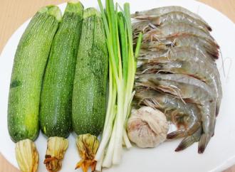 Hướng dẫn nấu món tôm xào bí ngòi đơn giản ngon cơm
