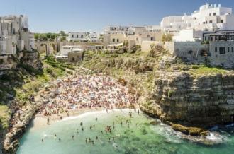 Ngắm 10 bãi biển siêu đẹp hút khách nhất thế giới