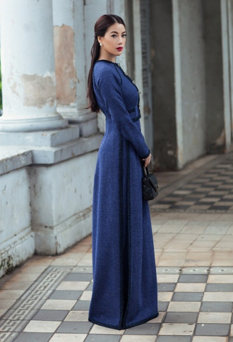 Trương Ngọc Ánh diện áo dài cách điệu lạ mắt