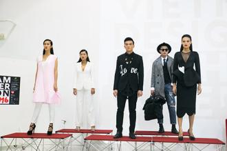 """""""Tiểu thư"""" thời trang Việt lần đầu xuất chiêu"""