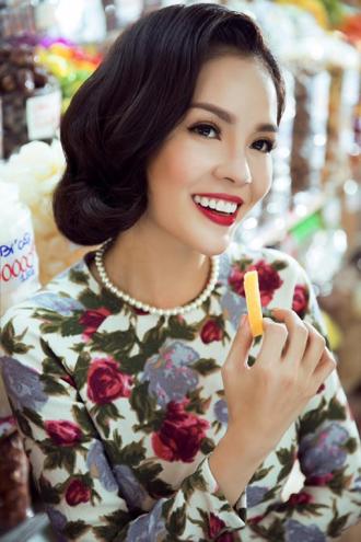Những mẫu tóc uốn xoăn ngắn cổ điển tuyệt đẹp của mỹ nhân Việt