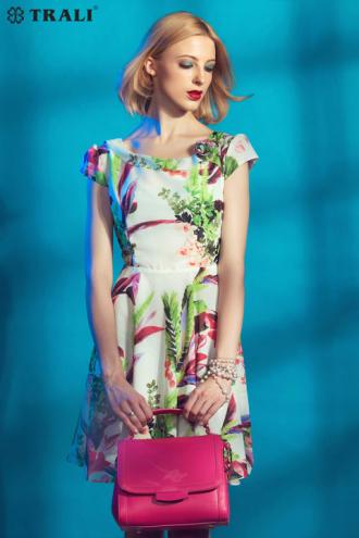 Váy đầm họa tiết liền thân cho nàng tự tin chốn công sở