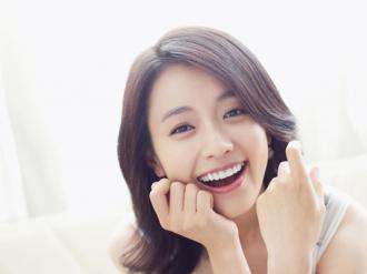 Làm gì để sở hữu 'nụ cười toả nắng' như sao Hàn